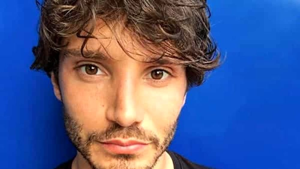 Stefano De Martino a Made in sud critica l'isola dei famosi