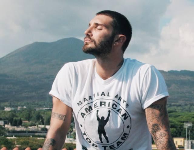"""Stefano De Martino si racconta su Real Time arriva """"De Martino-Su di me"""""""