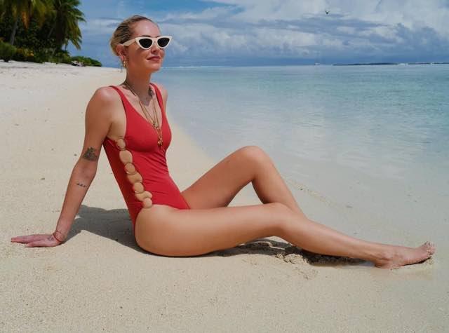 Che costume indossa Chiara Ferragni nella sua vacanza in Polinesia?