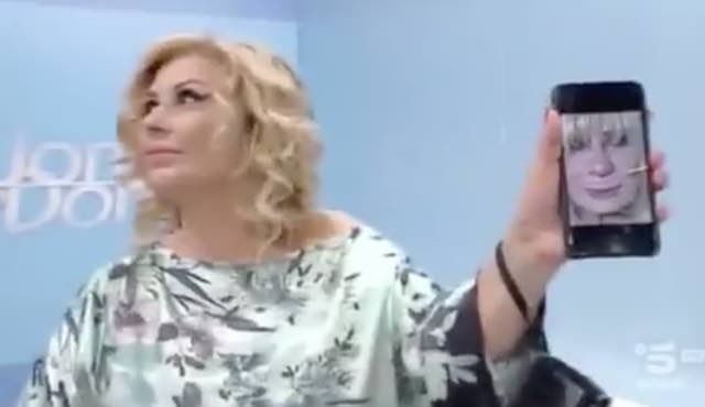 Gemma Galgani struccata la foto mostrata da Tina a Uomini e donne