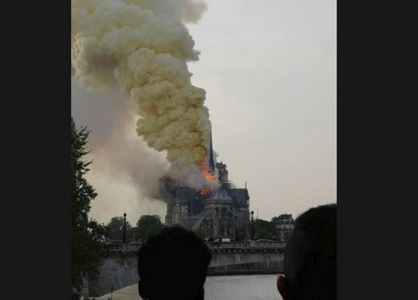Incendio a Notre Dame a Parigi la cattedrale in fiamme cos'è successo?