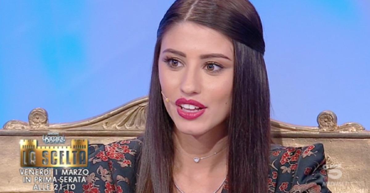 Angela Nasti scelta a Uomini e donne è in crisi ecco perchè