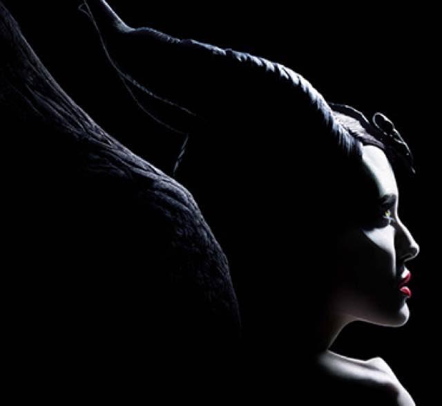 Maleficient e Angelina Jolie torna più cattiva di prima al cinema trailer