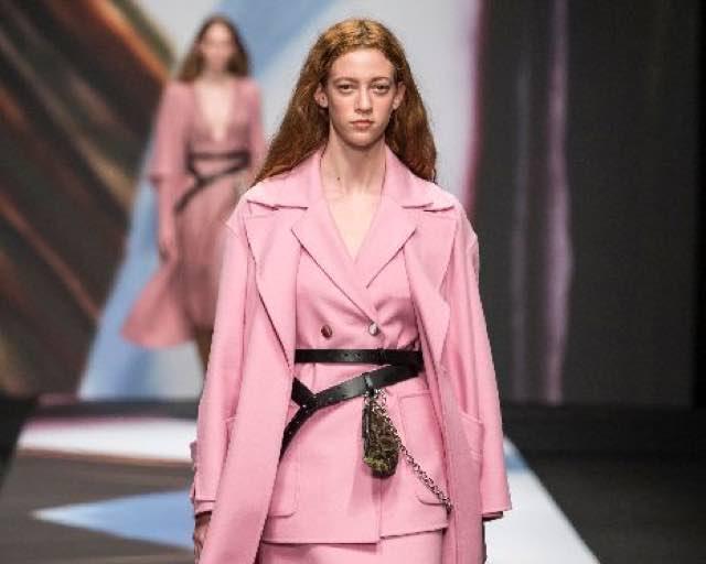 Anteprima moda donna autunno inverno 2019 la moda diventa arte