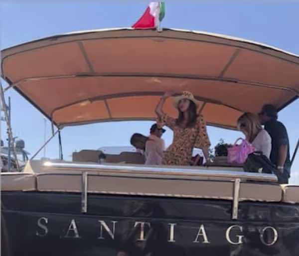 Belen e Stefano De Martino quanto costa la barca extra lusso che si sono comprati?