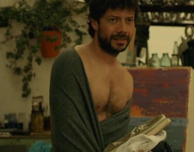 Il professore de La Casa di Carta 3 nudo senza niente addosso le foto