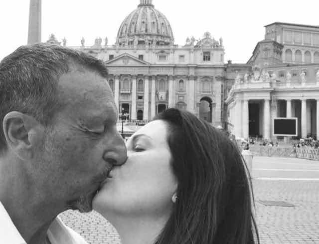 Amadeus dopo il matrimonio e prima di Sanremo 2020 vuole un figlio da Giovanna