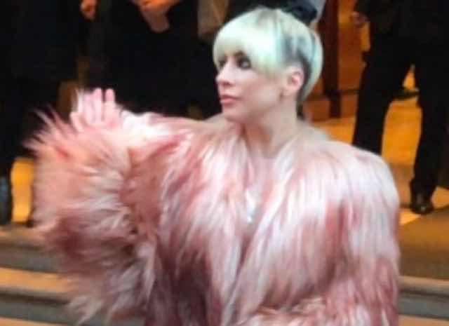 Lady Gaga struccata ecco perchè Bradley Cooper è scappato