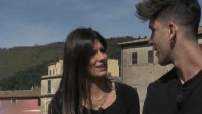 """Manuel attacca Giulia:""""Sono stato zitto ti ho coperta!"""". Ma cos'ha fatto Giulia?"""