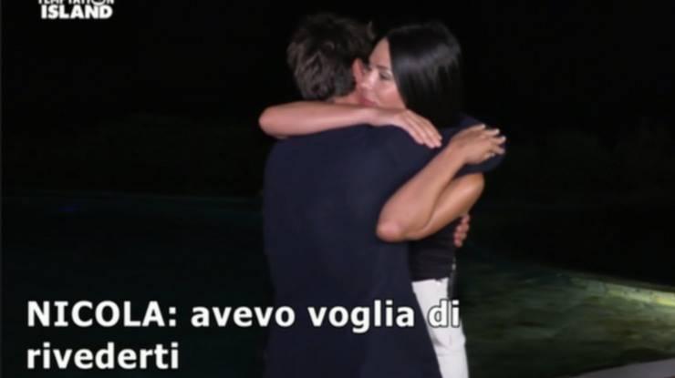 Nicola e Sabrina sono tornati insieme la reazione e le lacrime della single Maddalena