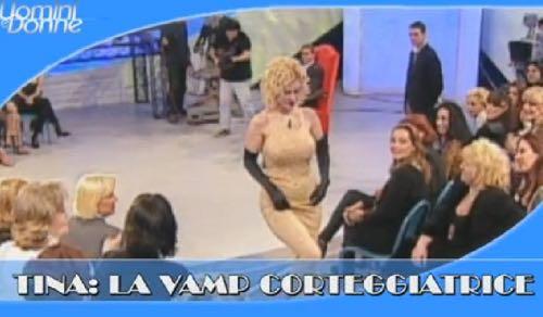 Com'era Tina Cipollari alla sua prima apparizione come corteggiatrice a Uomini e donne