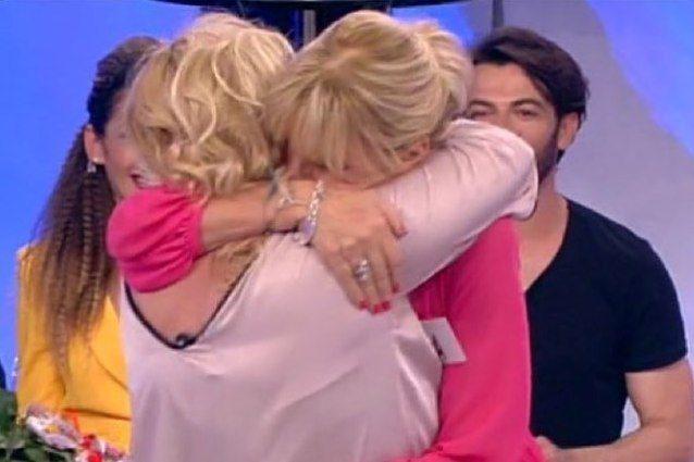 Tina Cipollari invita Gemma Galgani alle sue nozze dopo le registrazioni di Giortì