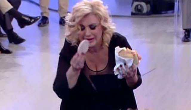 """Tina Cipollari insultata a Ibiza:""""Sei una balena spiaggiata"""""""