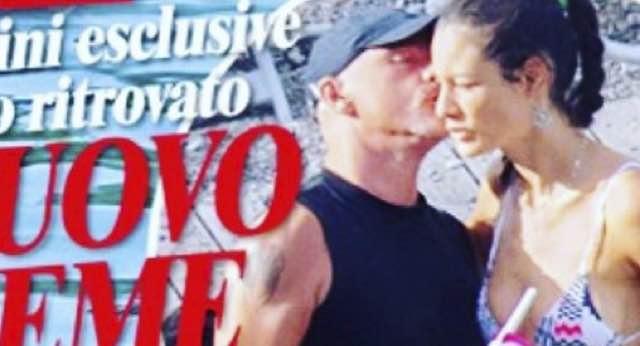 Eros Ramazzotti e Marica insieme al mare non si sono mai lasciati?