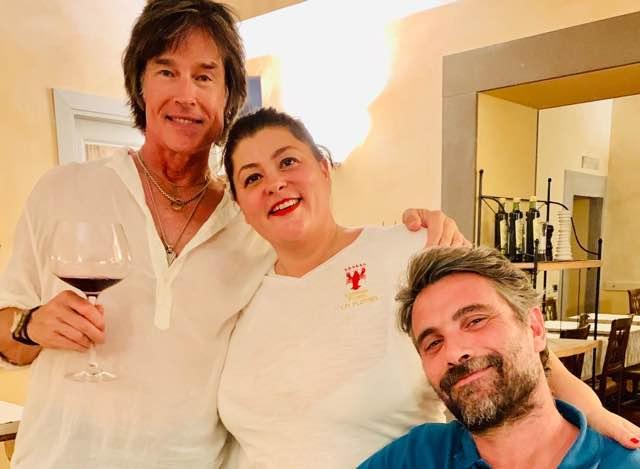 Ronn Moss dalle sagre italiane ai ristoranti toscani ecco con chi era