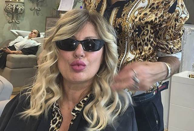 Tina Cipollari nuovo look a Uomini e donne per la nuova stagione - Moda  donna, spettacolo, gossip e bellezza - Leichic.it