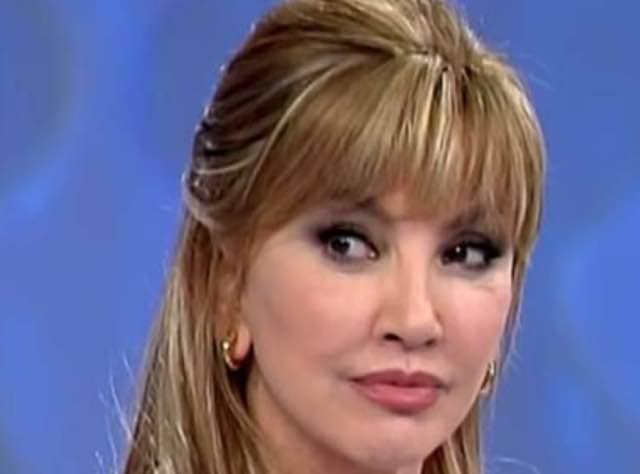 """Miss Italia domanda scomoda per Milly Carlucci:""""Tuo marito ti ha messo le corna?"""""""
